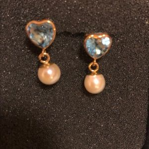 Jewelry - Blue topaz and Pearl earrings ✨